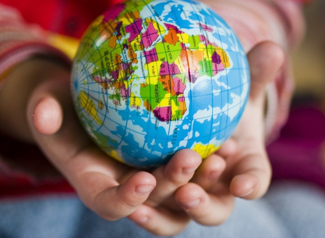 Die Welt in der Hand